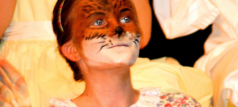 Lauren Tozer as Young Squirrell