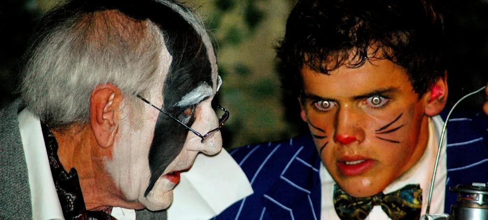 Graham Shurvington as Badger and Ralph Davis as Ratty