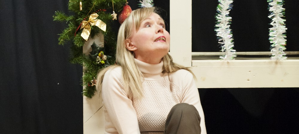 Viv Tomlinson as Rachel