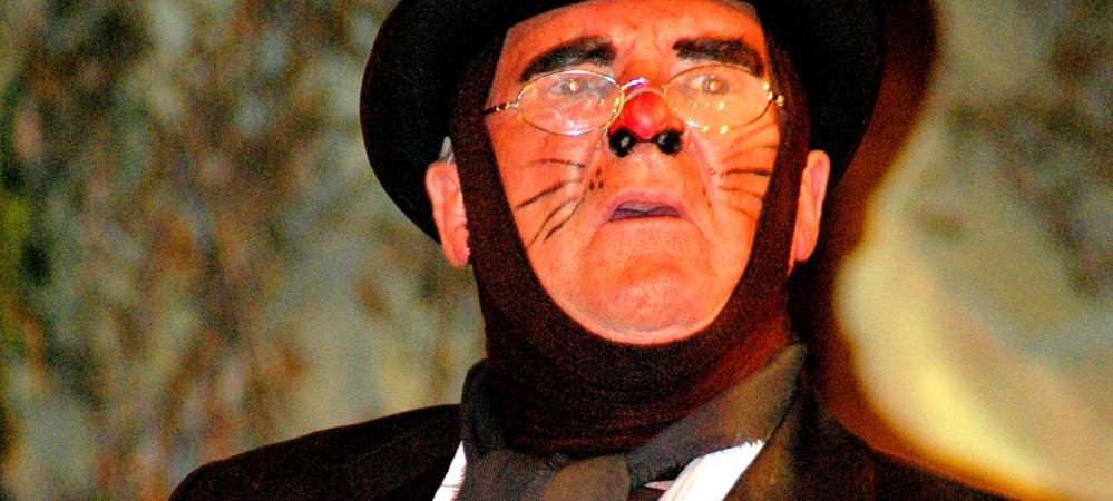 Gary Taylor as Mole